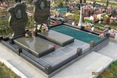 памятники на могилу из гранита 19