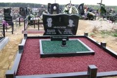 памятники на могилу из гранита 33