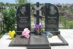 памятники на могилу из гранита 35