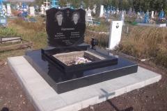 памятники на могилу из гранита 36