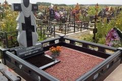 памятники на могилу из гранита 48