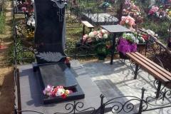 памятники на могилу из гранита 56