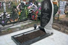 памятники на могилу из гранита 3