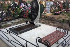 памятники на могилу из гранита 4