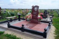 памятники на могилу из гранита 11
